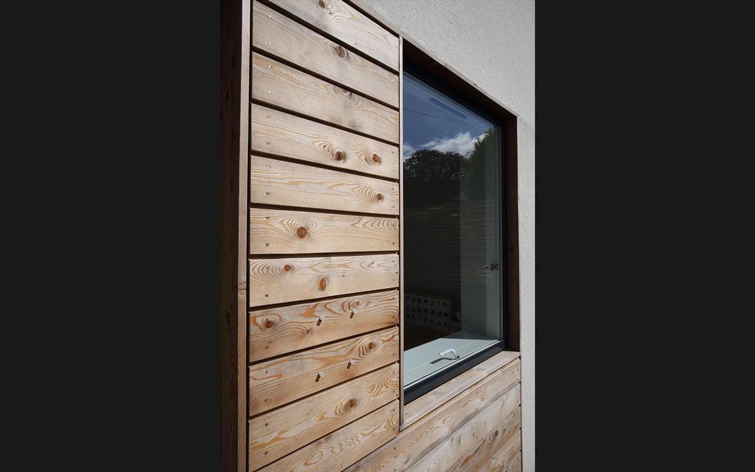 timber-detail-black-bg